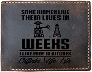 I live my life in hitches Oilfield wife life nice Custom Laser Engraved Leather Bifold Wallet for Men
