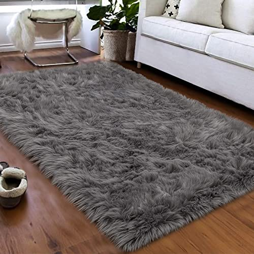 Softlife Faux Fur Sheepskin Area Rug Shaggy Wool Carpet for Bedroom Living Room Home Decor (3ft x 5ft, Grey)