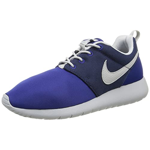 NIKE Boys  Roshe One (GS) Low-Top Sneakers 26cd7e98120d