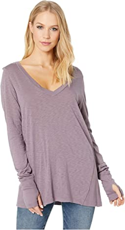 Tess Long Sleeve V-Neck Top with Thumbholes