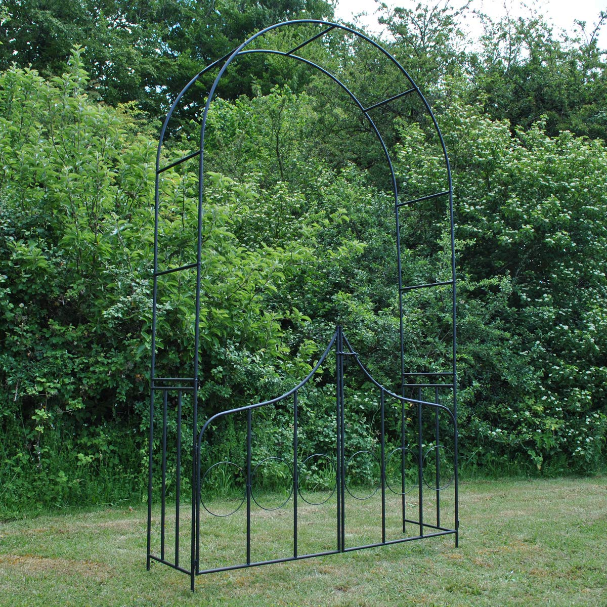 Selections Kingsbere - Arco de jardín con Puerta (Metal): Amazon ...