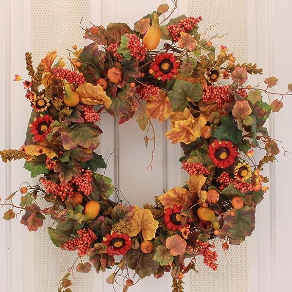 秋季南瓜和秋季浆果门花环