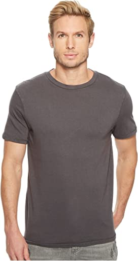 04eb5d05be Tommy Hilfiger Short Sleeve Core Flag Crew Neck Tee at Zappos.com