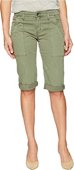 The Leverage Mid-Rise Cargo Shorts in Forester