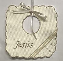 Babero en pique beige bordado y personalizado con el nombre del bebé