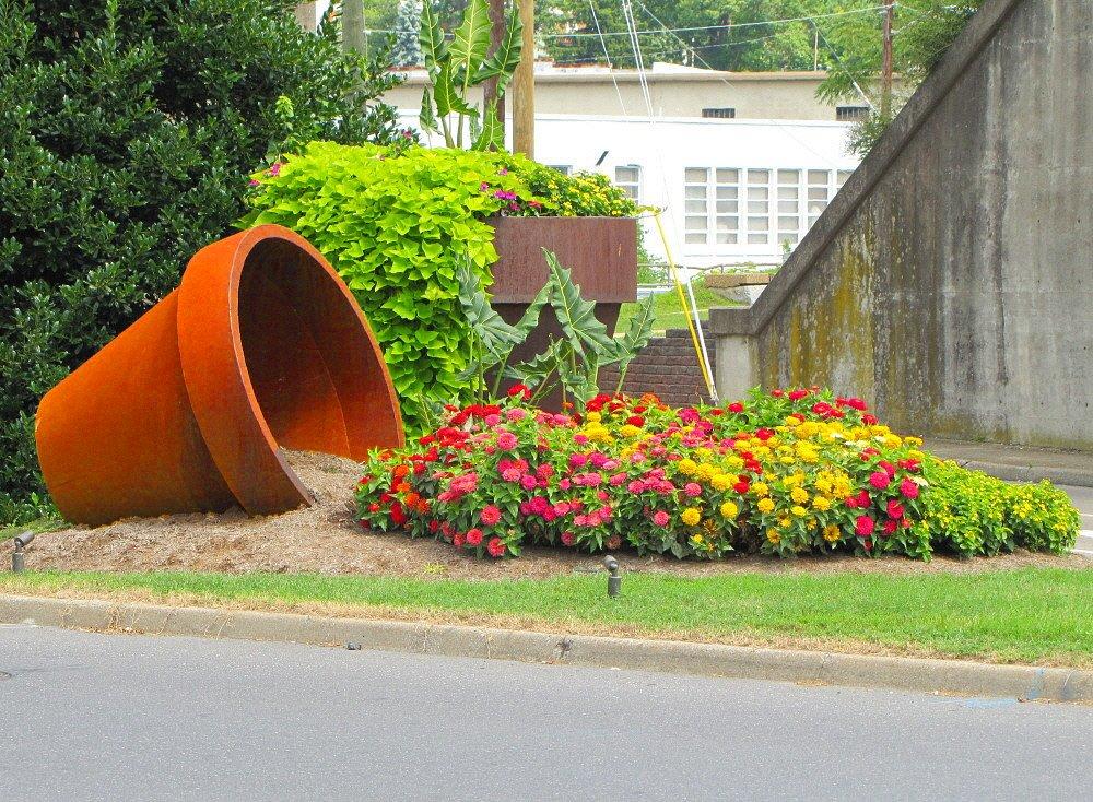 Unique Plastic DIY Spilled Flower Pot (24 Inch, 1 Piece) : Amazon.in: Garden & Outdoors