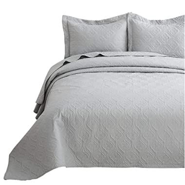 Bedsure Quilt Set Light Grey King Size (106x96 inches) - Flower Petal Design - Soft Microfiber Lightweight Coverlet Bedspread for All Season - 3 Pieces (Includes 1 Quilt, 2 Shams)