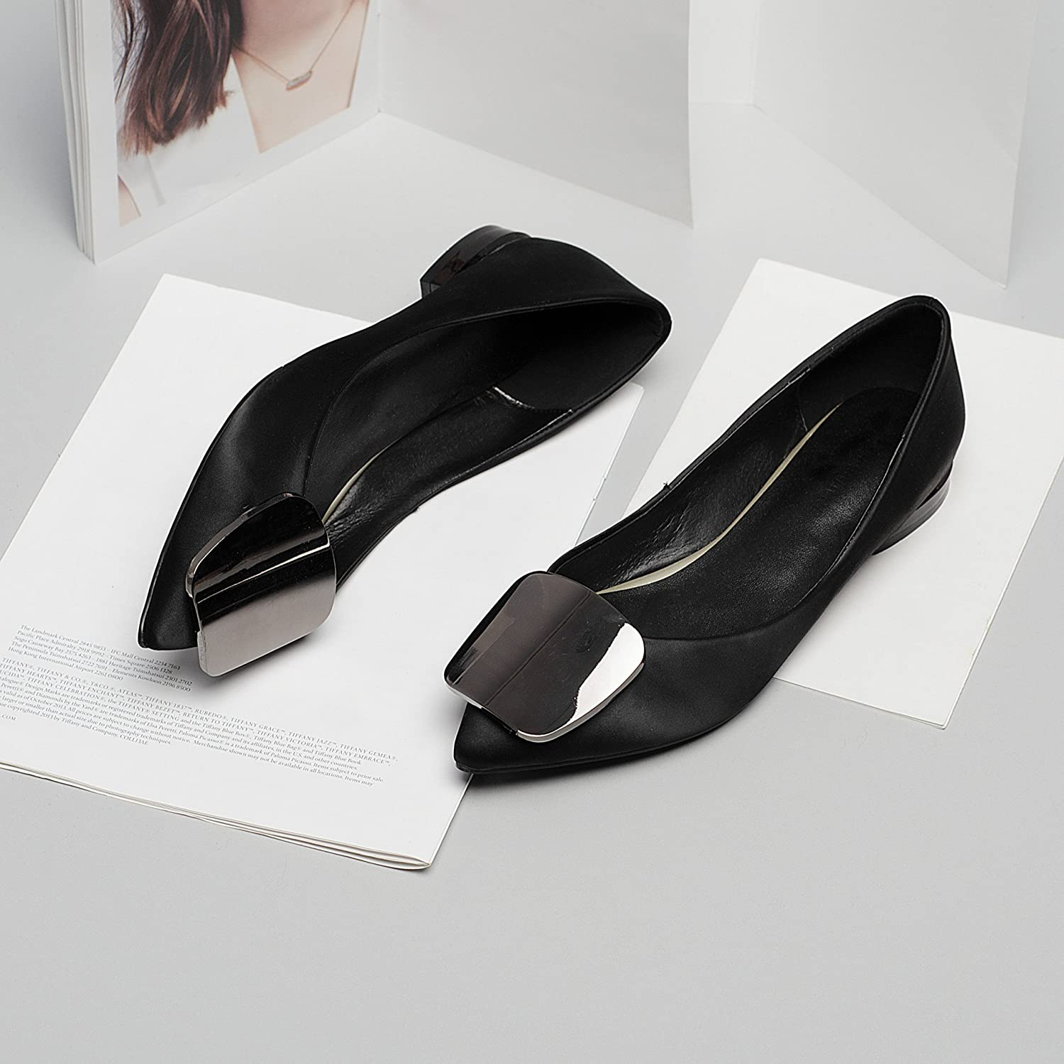 Bule Moocow BCOW Leather shoes Ms. Pointed Mouth Flat Heels Metal Side Deduction Deduction shoes Flat shoes