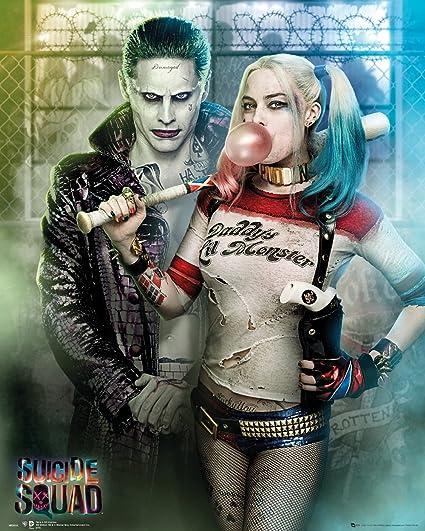 Amazon De Gb Eye Ltd Suicide Squad Joker Und Harley Quinn Mini Poster 40 X 50 Cm Holz Verschiedene Farben 65 X 3 5 X 3 5 Cm