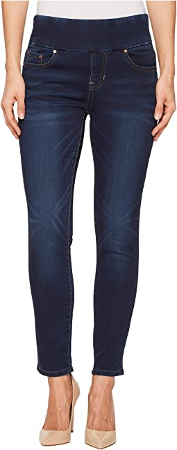 Nora Skinny Ankle Pull-On Jeans in Vintage Classic Denim