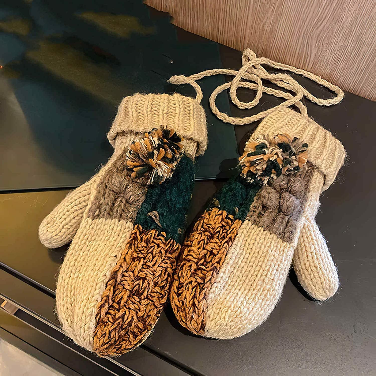 GMMDXD Gloves Winter Women's Thickened Plus Velvet Warm and Cold Wool Knitted Mittens Cute Student Riding Gloves (Color : Beige, Size : One Size)