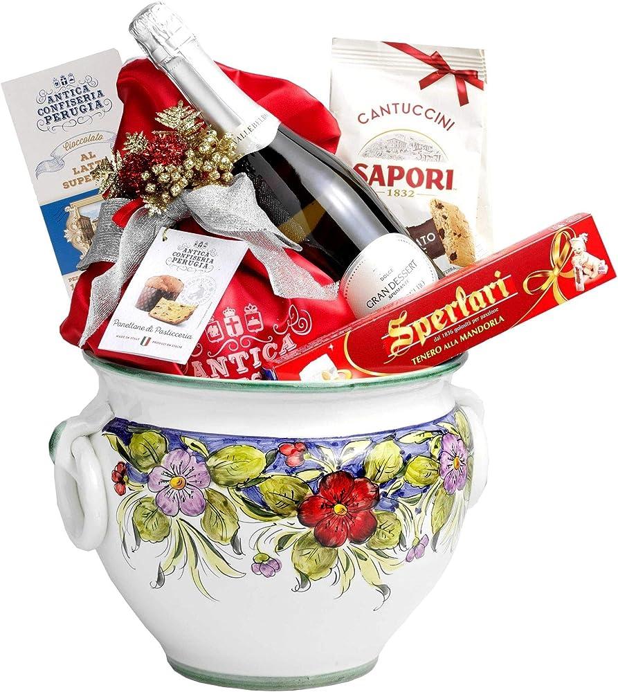 Speciale italia cesti natalizi centrotavola in ceramica con panettone artigianale e altri prodotti alimentari