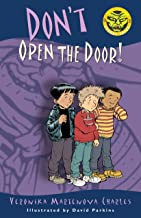Don't Open the Door! (Easy-to-Read Spooky Tales)