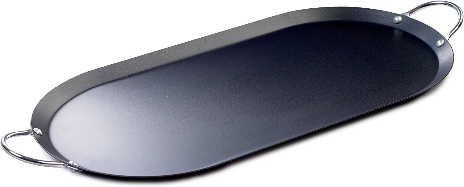 Amazon Com Imusa Oval Shaped Comal Griddle 17 Inch Black Silver Kitchen Dining