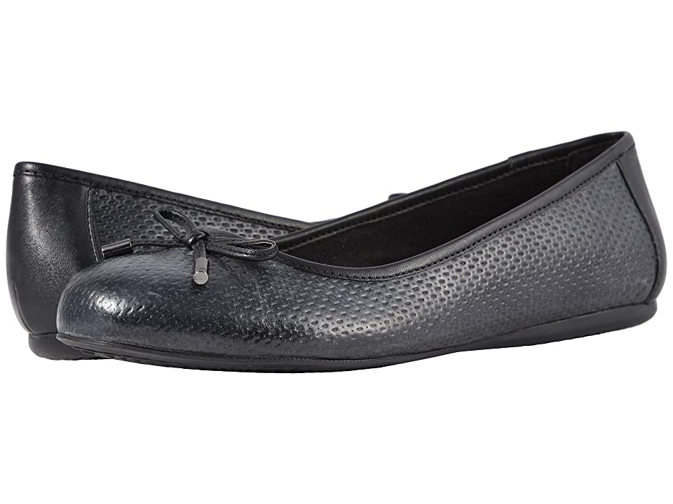 SoftWalk Napa Embossed (Black) Women