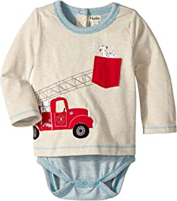 Hatley Kids - Fire Truck Doggie Lift Long Sleeve Mini One-Piece (Infant)