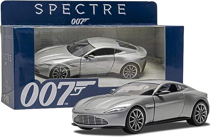 Hornby Modellauto Aston Martin Db10 Inspiriert Durch James Bond Spectre Silberfarben Amazon De Spielzeug