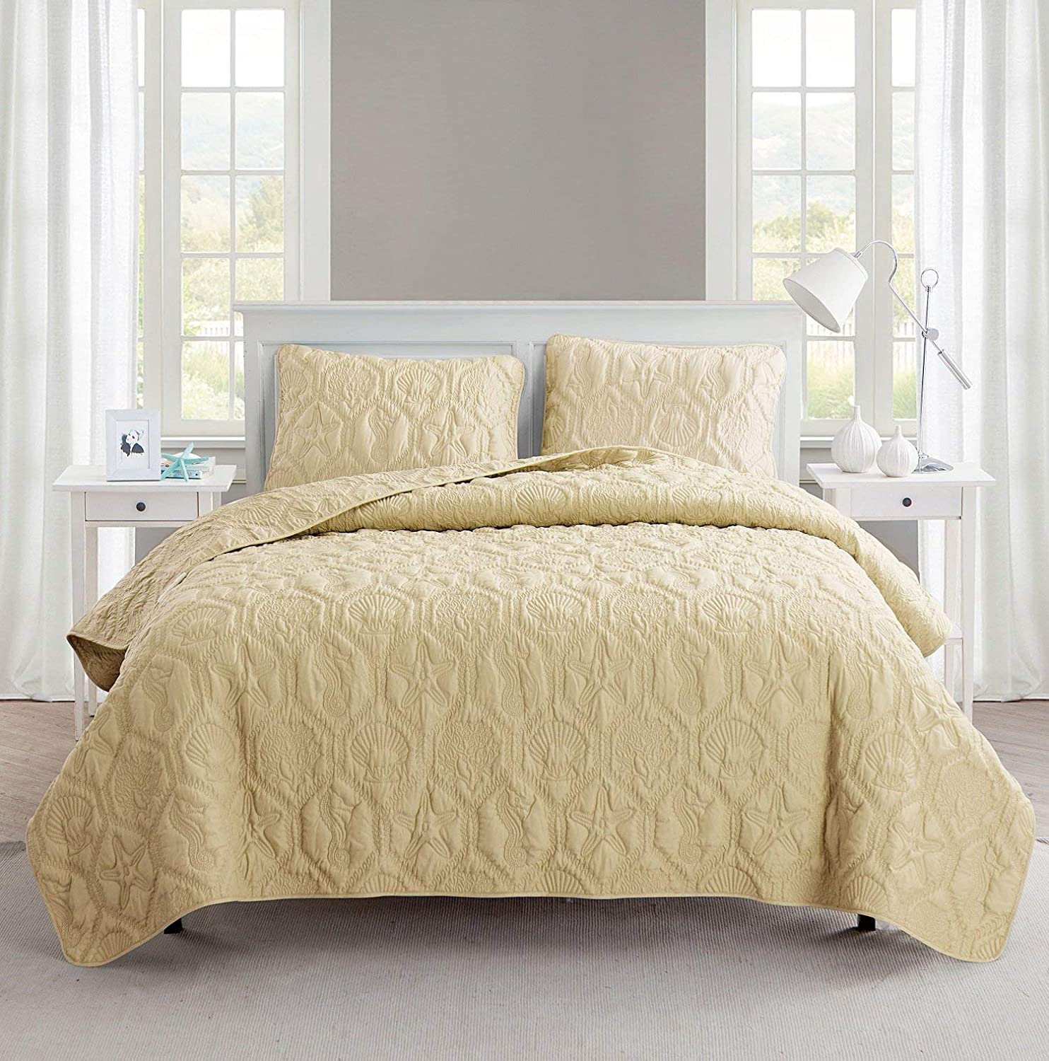 VCNY Home | Shore Collection | Soft, Lightweight, Comfortable Quilt Bedspread, Durable and Wrinkle Free Microfiber 3 Piece Bedding Set, Queen, Tan
