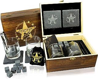 VinoYes Whisky Gläser Set 320 Gram je Glas in Einer edlen Holzkiste, 2 Whiskey Gläser, 8 Whisky Steine mit Beutel, 2 edle Untersetzer in Schiefer Optik. Ihr perfektes Whiskey Geschenkset.