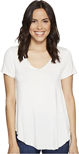 Culture Phit - Flynn V-Neck Short Sleeve Top