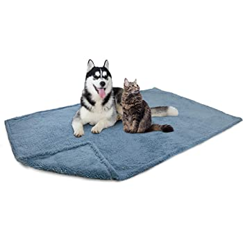 PetAmi Fluffy Waterproof Dog Blanket Fleece   Soft Warm Pet Fleece Throw for Large Dogs and Cats   Fuzzy Plush Sherpa Throw Furniture Protector Sofa Couch Bed