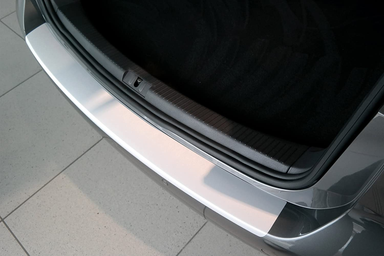 Lackschutzshop Lackschutzfolie 160/µm 3D Carbon schwarz Schutzfolie in 3D Carbon Black passend f/ür Fahrzeug Modell Siehe Beschreibung Ladekantenschutz