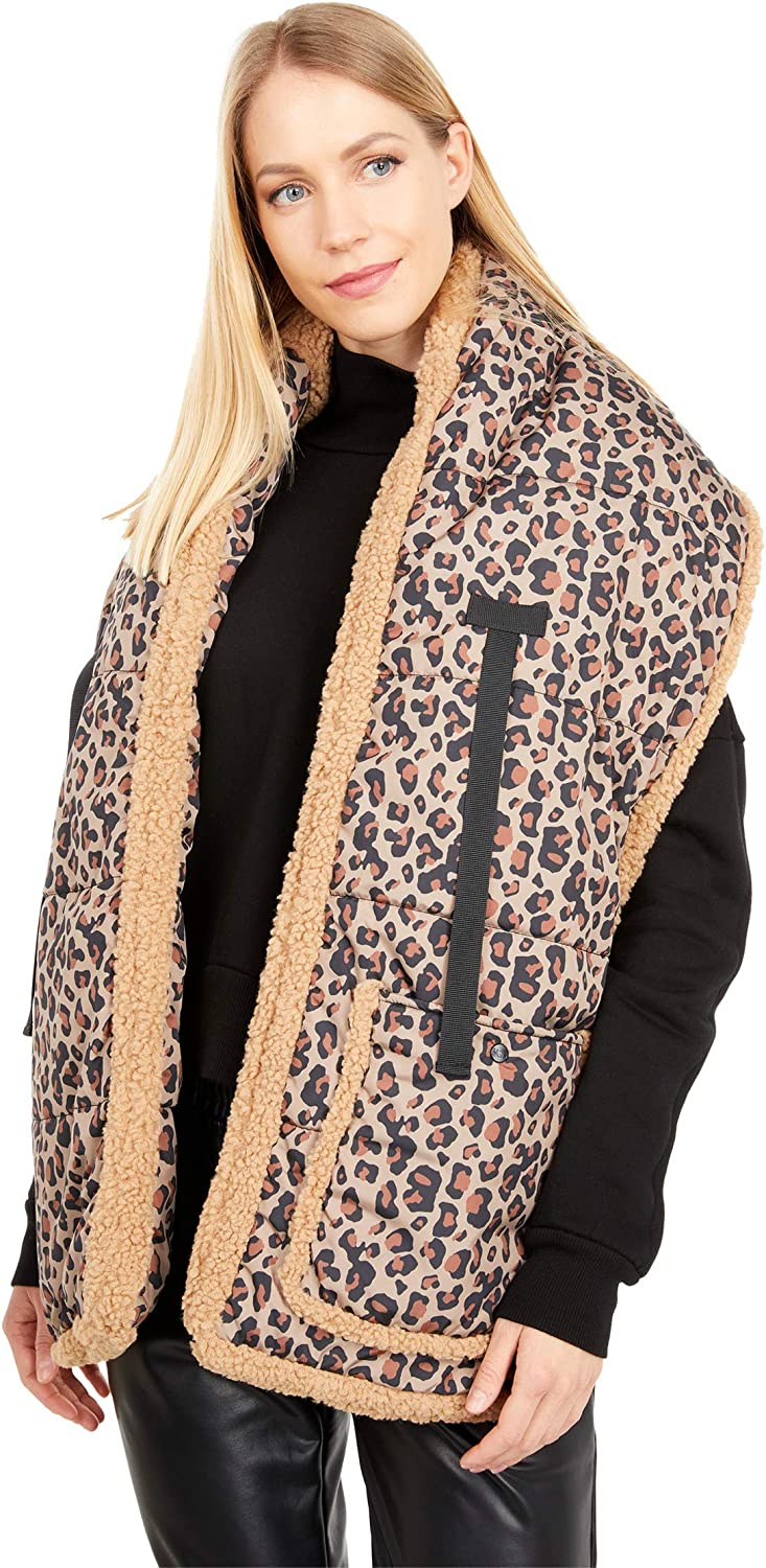 UGG Womens Fabric and Sherpa Puffer Scarf with Pocket