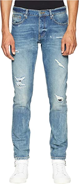 Distressed Jeans in Light Blue