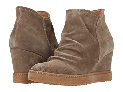 Sofft Siri Waterproof (Taupe Oiled Cow Suede) Women