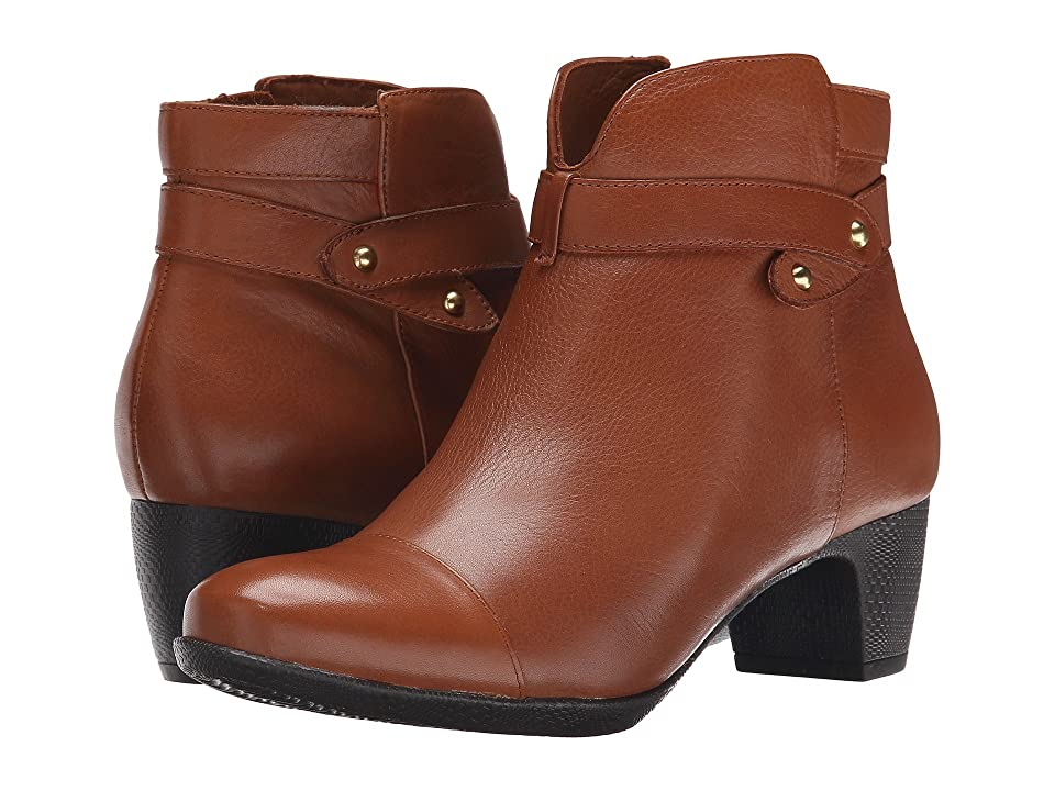 SoftWalk Ivanhoe (Cognac Tumbled Leather) Women