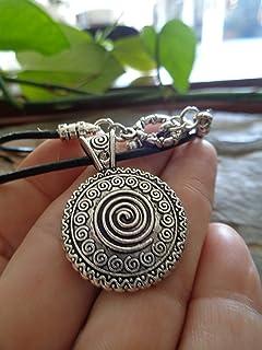 ✿ AMULETO DE MANDALA ÚNICO NEGRO collar collar negro, cadena de cuero, colgante decorado, cadena étnica tribal