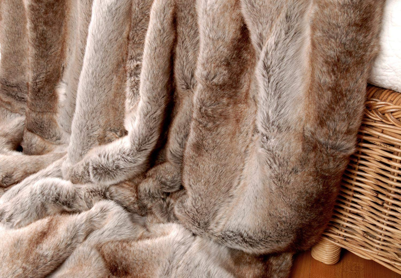 Couverture 170x220cm Plaid Fausse Fourrure Loup Clair de 150x200-260x300cm et Oreiller Wohnen /& Accessoires Couverture en Fourrure