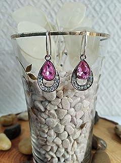 Pendiente de Plata y cristal en rosa con un diseño elegante.
