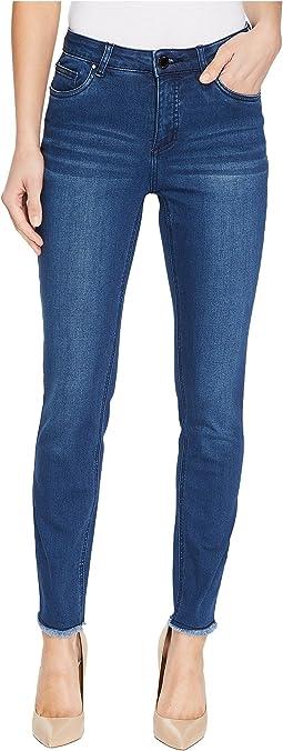 Olivia Fashion Slim Ankle Frayed Hem in Medium Indigo