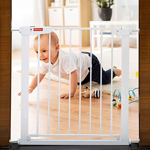 Fisher-Price - Barricade Auto Close Baby Safety Gate (74~84 cms.)