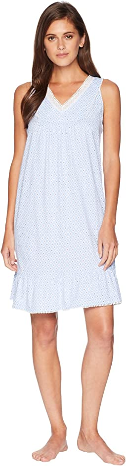 Sleeveless Short Gown