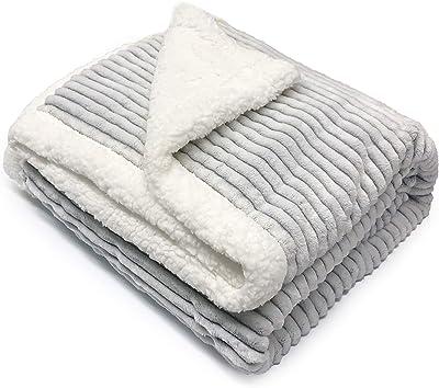 毛布 ダブル 大判 ブランケット 冬用 厚手 フランネル シープボア ふわふわ 暖かい 柔らかい おしゃれ 洗濯可能(グレー 180×200cm)