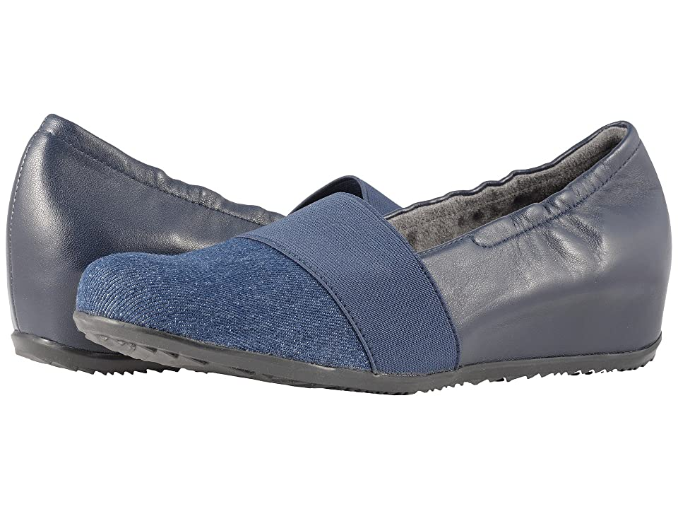 SoftWalk Wonder (Denim/Navy Linen/Leather) Women