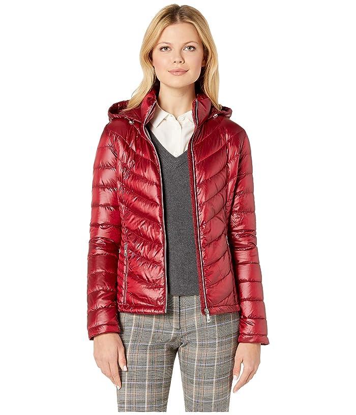 Calvin Klein Short Down Packable with Chevron Quilt Lines (Pearlized Cranberry) Women
