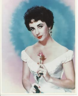 Elizabeth Liz Taylor Glamour Shot wearing dress off the shoulders 8 x 10 Photo