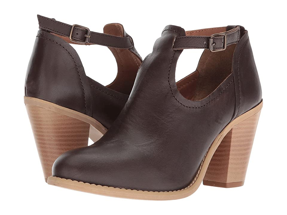 Dingo Leia (Brown) Cowboy Boots