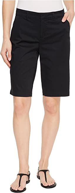 Bermuda Shorts Hook-and-Bar Waist in Black