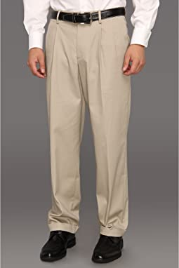 Dockers - Iron Free Khaki D3 Classic Fit Pleated