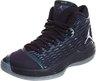 7631088043f6 Amazon.com  Green - Basketball   Team Sports  Clothing