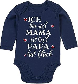 Shirtracer - Sprüche Baby - Ich Bin süß Mama ist heiß Papa hat Glück Herzen - Baby Body Langarm