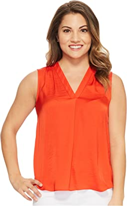 Vince Camuto Specialty Size - Petite Sleeveless V-Neck Rumple Blouse