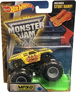 HOT WHEELS MONSTER JAM MAX-D MAXIMUM DESTRUCTION INCLUDES STUNT RAMP YELLOW AND BLACK TRUCK 2016 NEW LOOK RARE