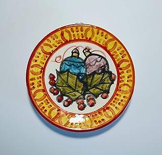 Feste di Natale-Piatto di ceramica fatto a mano,diametro cm 12,4 alto cm2,2,pronto per essere appeso al muro.Made in Italy...