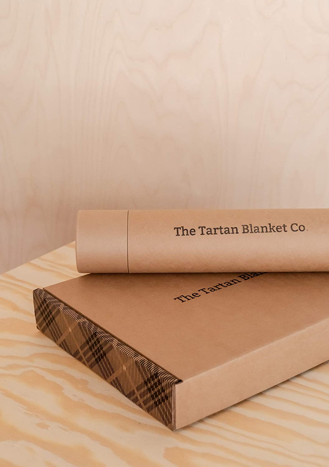 The Tartan Blanket Co. Couverture de Genou en Laine recyclée – Style Tartan écossais Dark Maple Persevere Flint Grey