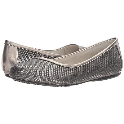 SoftWalk Napa (Pewter Metallic Herringbone Embossed Leather) Women
